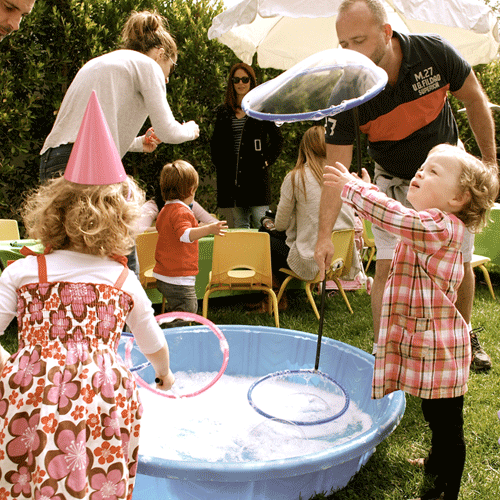 best-bubble-parties-outdoors-touching-bubbles-500-x-500.png